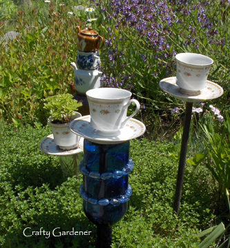 tea cup feeders at craftygardener.ca