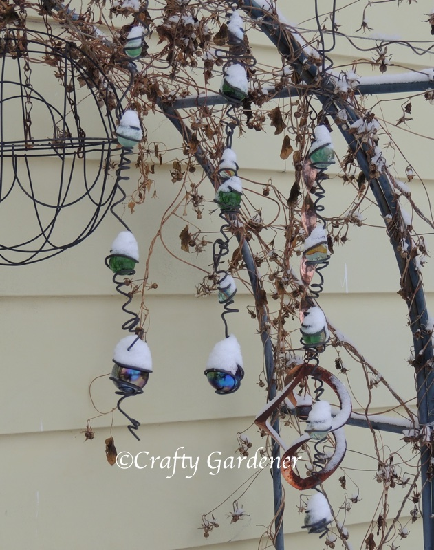 garden bling in winter at craftygardener.ca