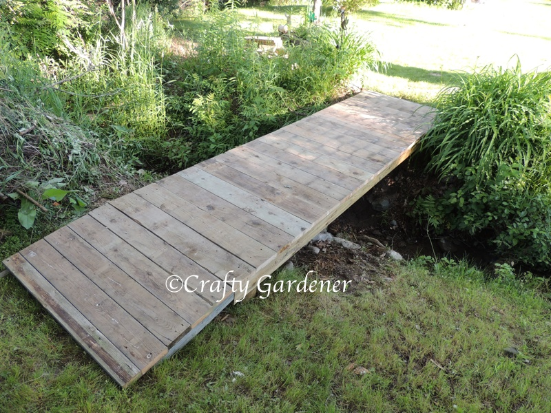 the new garden bridge at craftygardener.ca