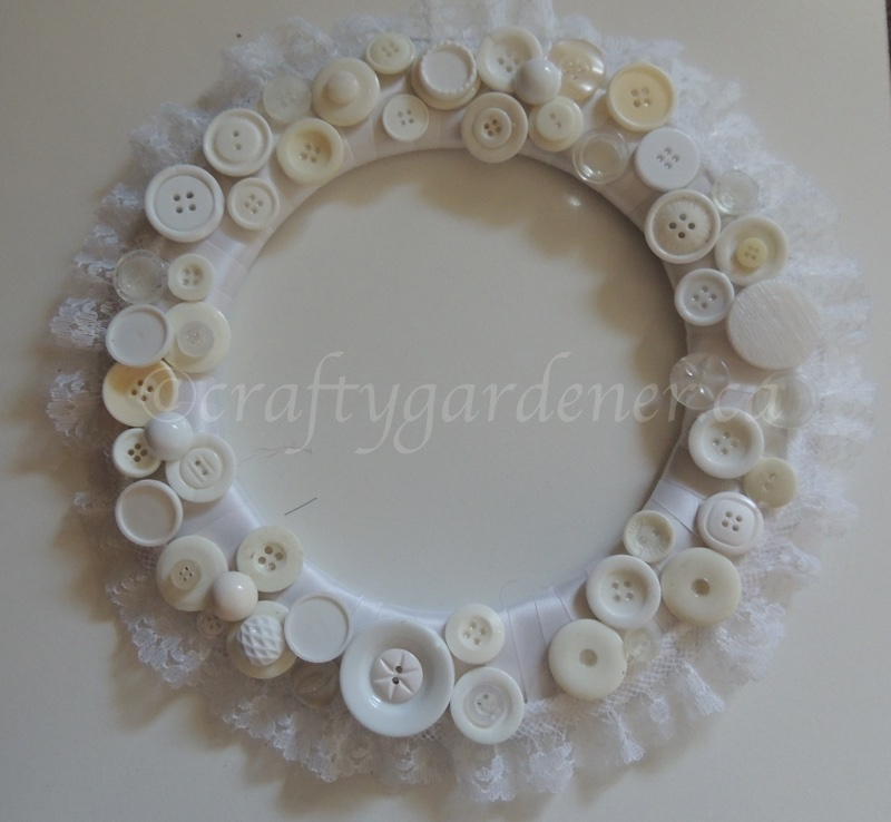 making a button wreath at craftygardener.ca
