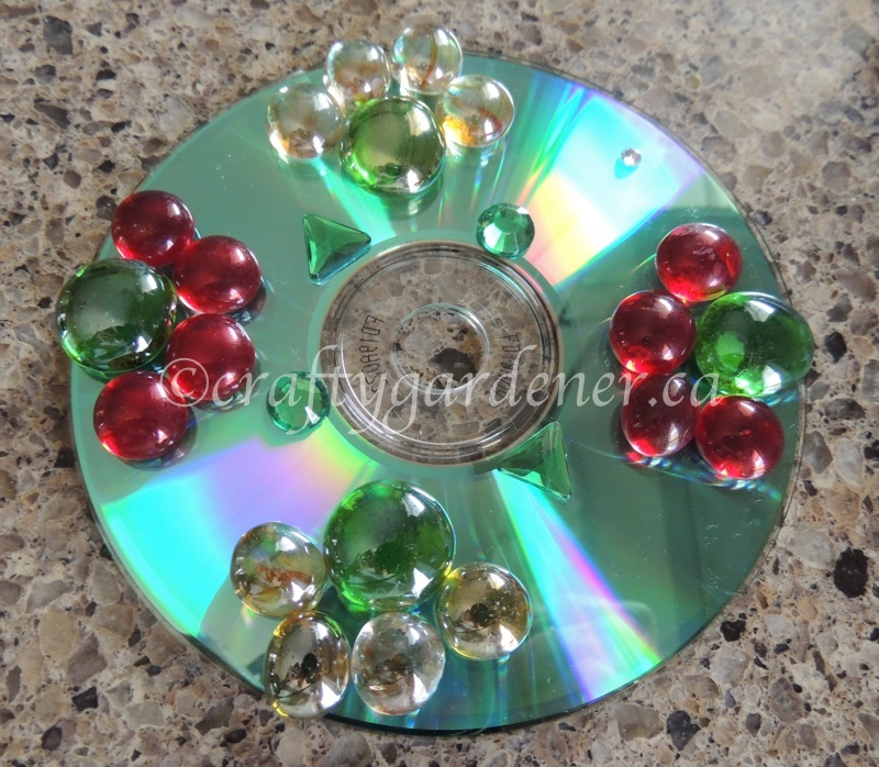 How to make a cd reflector at craftygardener.ca