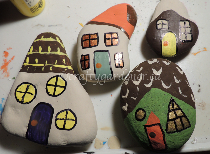 painting cottage rocks at craftygardener.ca