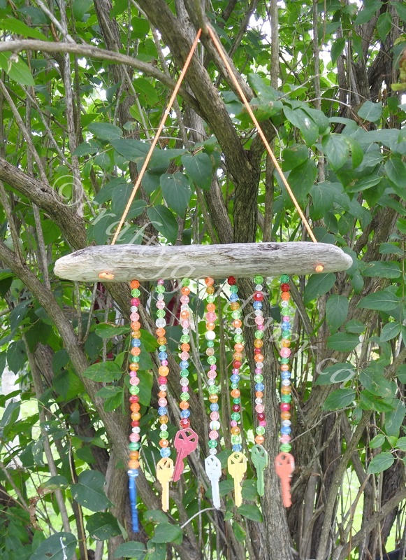 how to make a driftwood key chime at craftygardener.ca