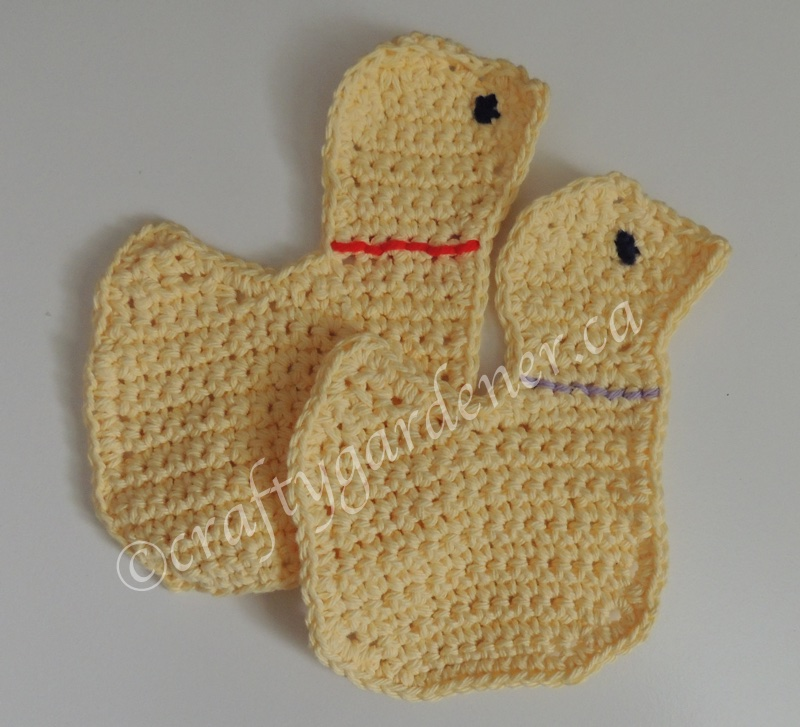 crochet duck wash cloths at craftygardener.ca