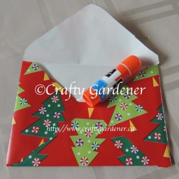 Make Festive Envelopes