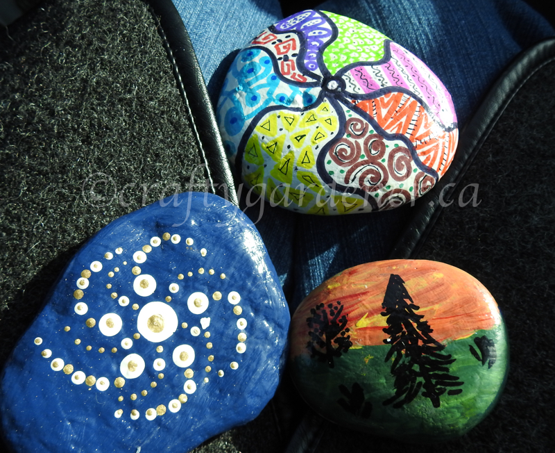 painted rocks at craftygardener.ca