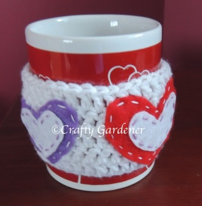 a Valentine cup cozy from craftygardener.ca