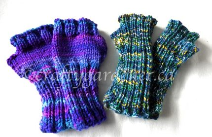 knitting fingerless mitts for kids at craftygardener.ca