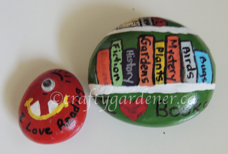 painting reading rocks at craftygardener.ca