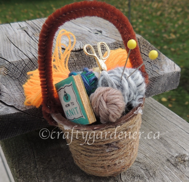 How tomato a min yarn basket at craftygardener.ca
