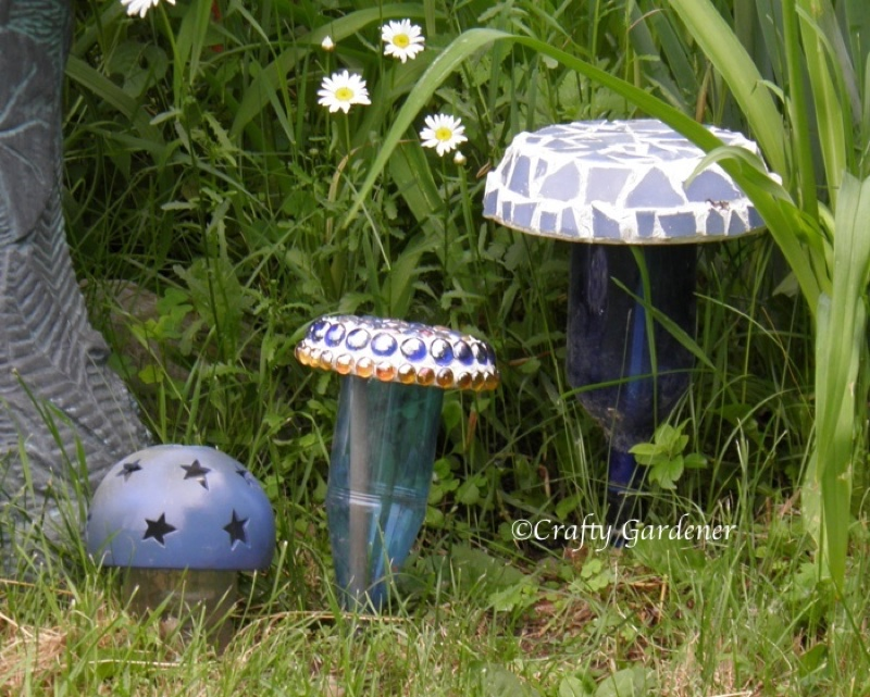 whimsical toadstools at craftygardener.ca