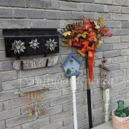 a Fall rake wreath at craftygardener.ca