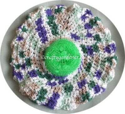 round dish cloth scrubby and pattern at craftygardener.ca