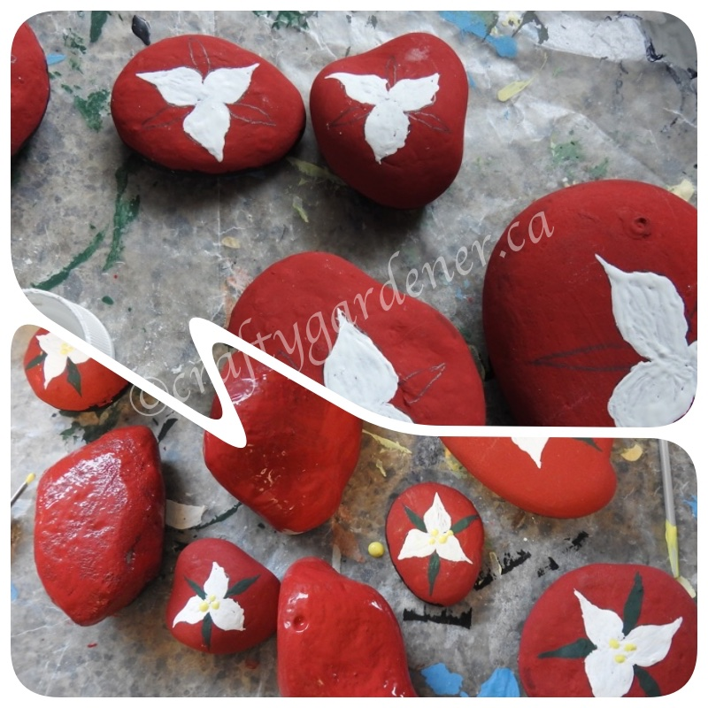 painting trillium rocks at craftygardener.ca