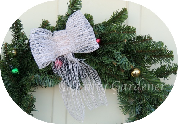 Making a Wire Wreath
