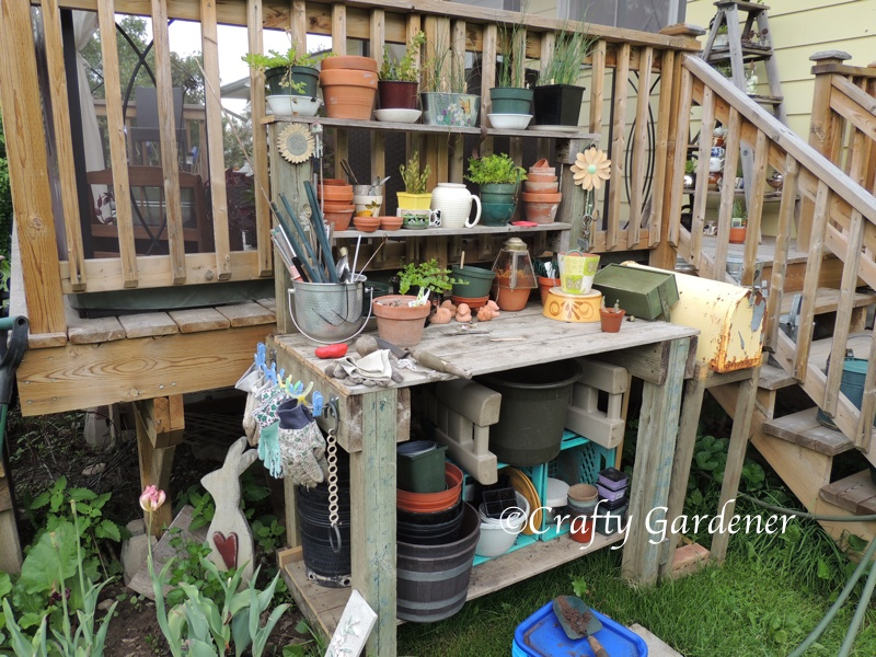 the garden workbench at craftygardener.ca