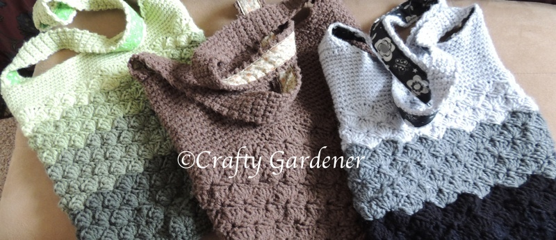 crochet bags with 'purse'onality at craftygardener.ca