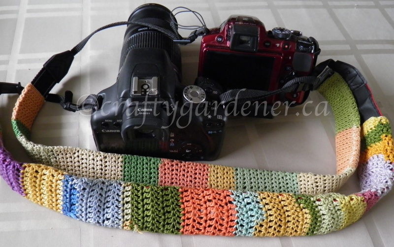 crocheted camera straps at craftygarddener.ca