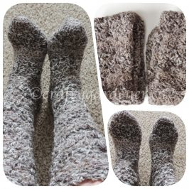 crochet socks at craftygardener.ca