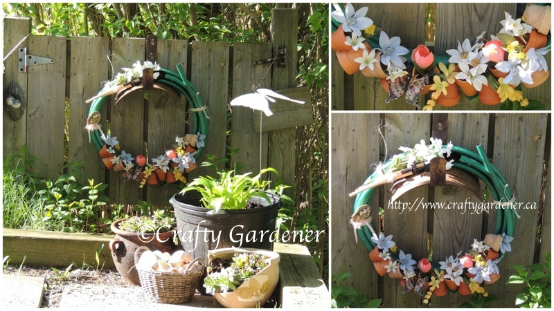 a hosepipe wreath by https://www.craftygardener.ca