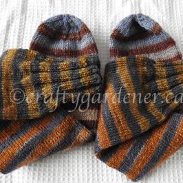 knitting socks at craftygardener.ca