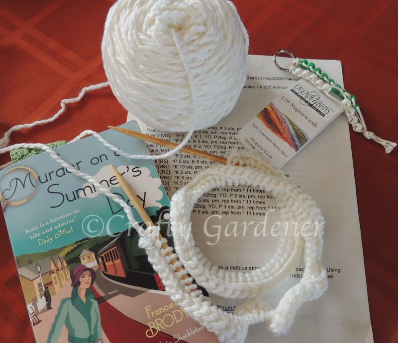 knitting a white mobs at craftygardener.ca