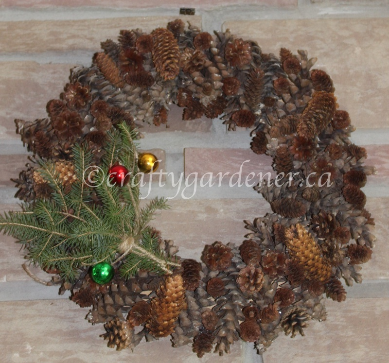making a pinecone wreath at craftygardener.ca